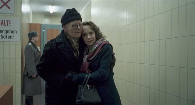 ティルダ・スウィントンが特殊メイクで演じているクレンペラー博士と