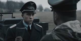 バレれば処刑…ニセ将校はどう切り抜ける!?「ちいさな独裁者」緊迫の本編映像