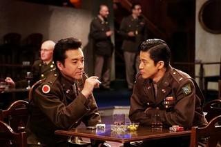 小栗旬×ムロツヨシ「二つの祖国」放送は3月23、24日に決定! 場面写真初披露