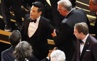 アカデミー賞受賞のラミ・マレック、ステージから転落していた