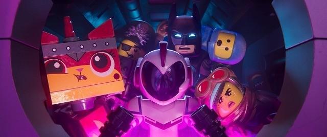 「レゴ(R)」続編にB・ウィリス参戦! 「ダイ・ハード」風に排気ダクトを進む特別映像独占入手