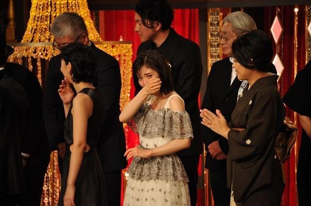 【第42回日本アカデミー賞】「万引き家族」が最優秀作品賞 松岡茉優が歓喜の号泣