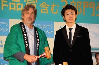オスカー3冠「グリーンブック」監督、伊藤健太郎に質問攻め「あっという間にスターに?」