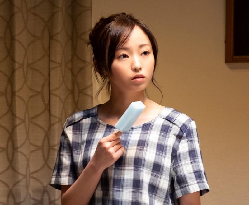元欅坂46・今泉佑唯が映画初出演「酔うと化け物になる父がつらい」で妹役