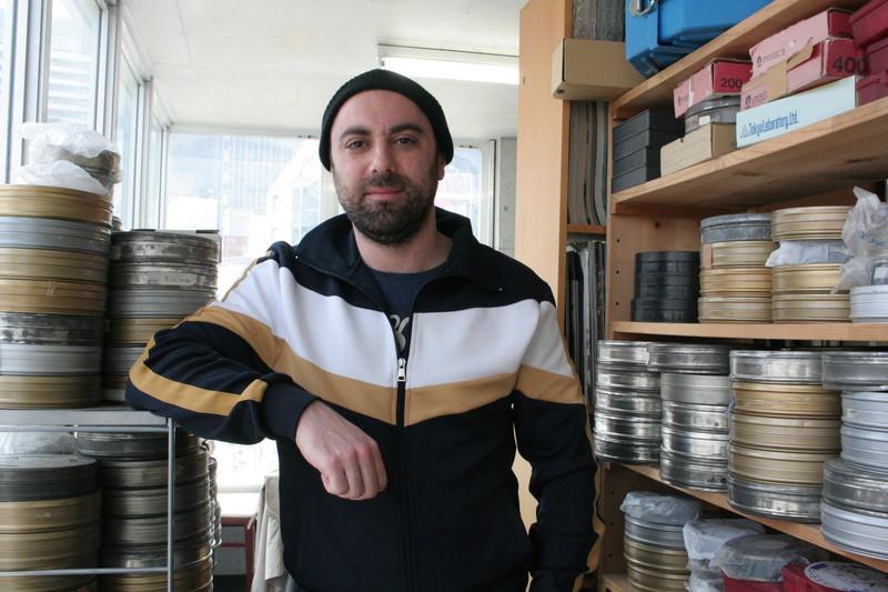 亡命した元シリア兵、高層ビル建設現場で働く祖国の労働者を映し「『メトロポリス』と重なった」