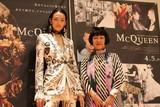 冨永愛、アレキサンダー・マックイーンの思い出語る「ファッションはマジック」