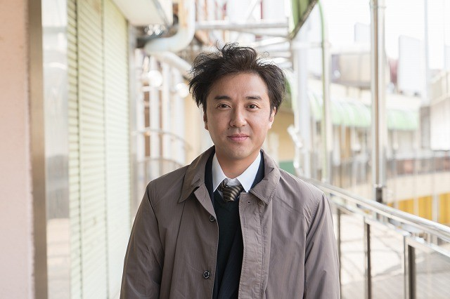"""ムロツヨシ、テレ東「ドラマ24」初主演! 「Iターン」で""""不幸の無限ループ""""に陥る"""