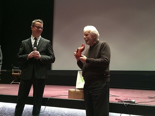 ホドロフスキー監督と久しぶりの再会を 交わしたニコラス・ウィンディング・ レフン監督