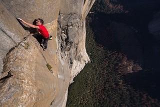 ロープ&安全装置なしで一枚岩を登れ! オスカー受賞ドキュメンタリー、今秋公開
