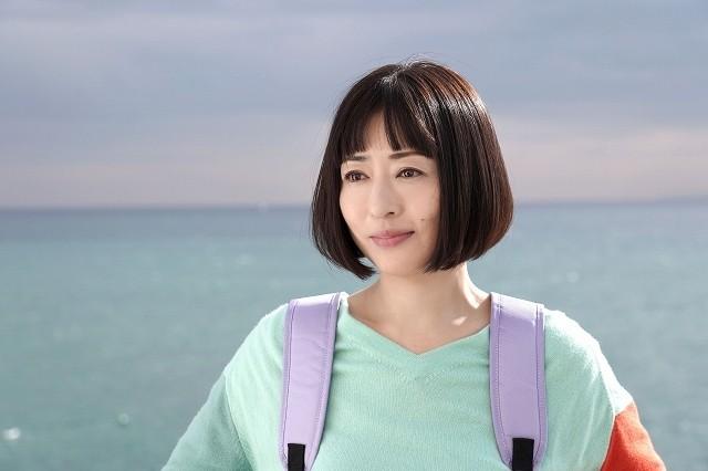松雪泰子、40代独身女性を悲哀&笑いたっぷりに熱演 「甘いお酒でうがい」で新境地開拓