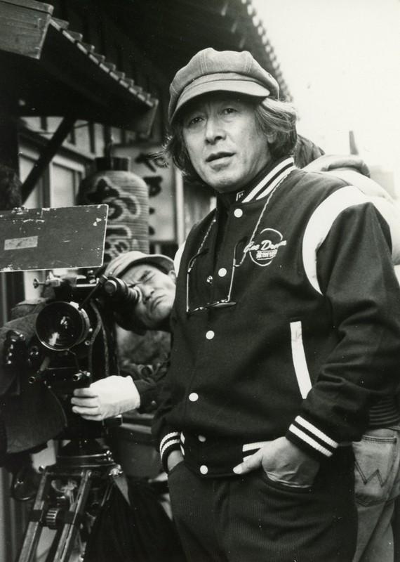 「人生劇場」(1983)撮影現場での深作欣二監督