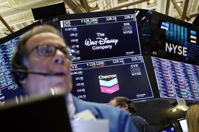 ディズニー株価は過去最高、競合Netflix株価は下落