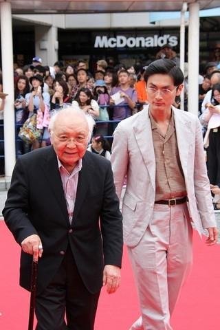 高良健吾と中島貞夫監督「女の機嫌の直し方」