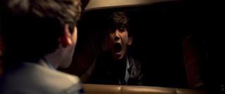 """車窓に""""泣く女""""の恐ろしい顔が映りこむ! J・ワン製作「ラ・ヨローナ」本編映像入手"""