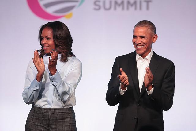 バラク・オバマ前米大統領と ミシェル・オバマ夫人