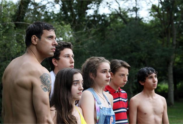 フランス学園ホラー「スクールズ・アウト」上映