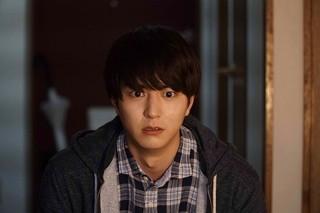 稲葉友、飯豊まりえ主演ホラー「シライサン」に参戦 呪いに戦慄する特報入手