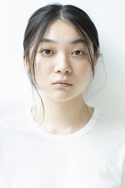 実力派女優として高い評価を集める三浦透子