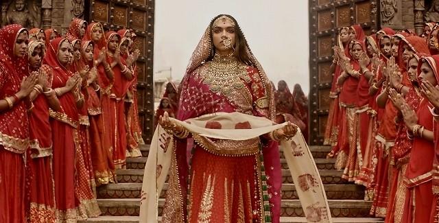 過激集団によるセット破壊、主演女優が懸賞首に… インド「パドマーワト」が直面した過酷な危機