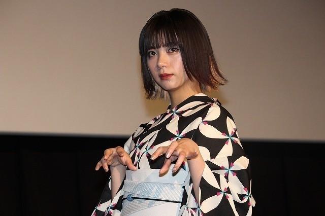 舞台挨拶に立った池田エライザ