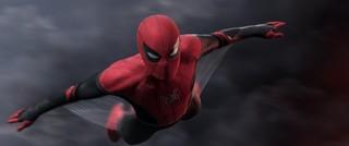 赤×黒スーツの製造工程&機能が明らかに! 「スパイダーマン」最新作、新映像公開