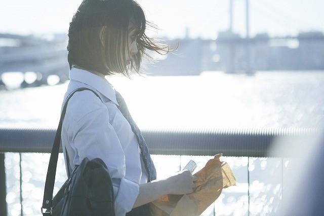 山戸結希×15歳のバーチャルシンガー!「ホットギミック」主題歌MVお披露目