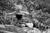 コムアイ、インドネシア巨匠の白黒サイレント映画でライブパフォーマンス「地球人として声出したい」