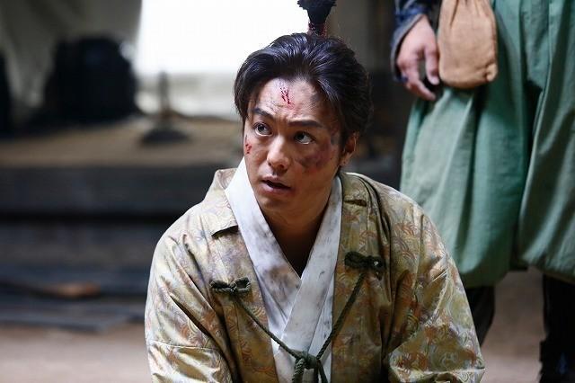 """""""ちょんまげ""""TAKAHIROの魅力満載! 命がけの嘘つき合戦描く「3人の信長」場面写真公開 - 画像3"""