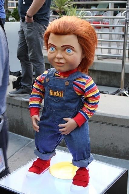 等身大チャッキー人形がファンをお出迎え!