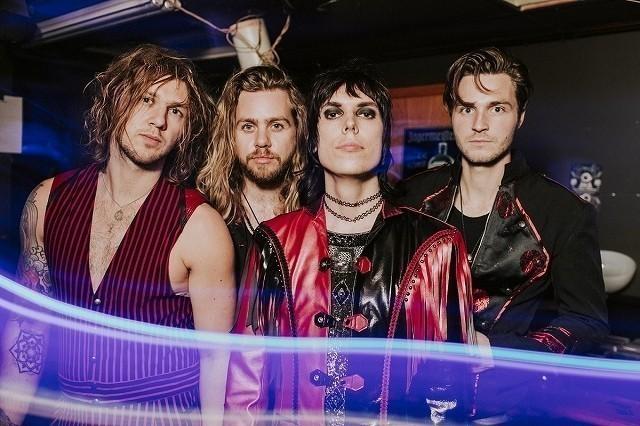 4人組ロックバンド「The Struts」が担当
