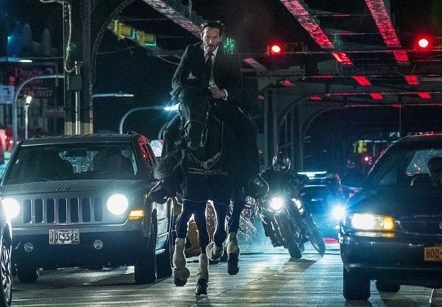 ニューヨークの街を馬で走り抜ける!