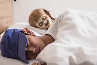 呪いの人形とひと晩過ごしたら? アナベルちゃん、レンタルなんもしない人をまさかのレンタル