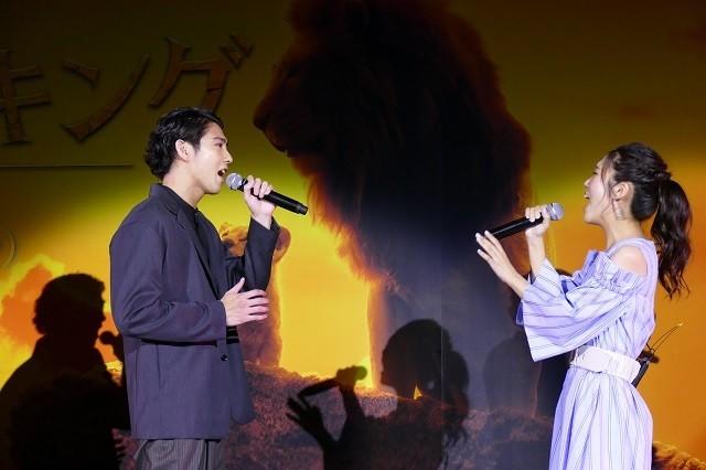 賀来賢人&門山葉子「愛を感じて」生披露、「ライオン・キング」吹き替え版上映会