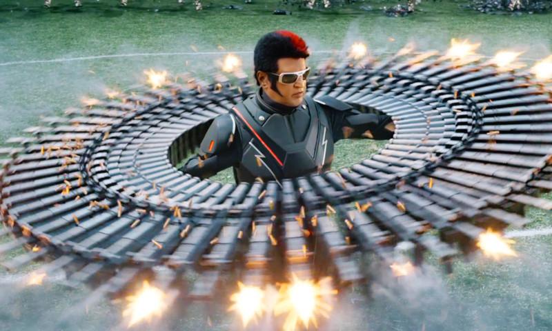 インドのおじさんロボットが最強の謎の球体に変身!「ロボット2.0」ぶっ飛び特報映像