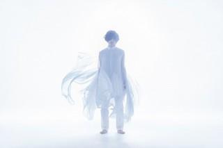 蒼井翔太、初の海外撮影による約4年ぶり写真集「生きていく」12月24日刊行