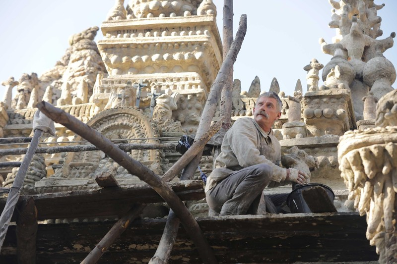 """ピカソも驚嘆の""""奇想の宮殿""""をたった一人で作った男の話「シュヴァルの理想宮」12月13日公開"""