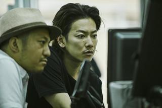 佐藤健、無精ヒゲ姿で新境地!白石和彌監督「ひとよ」撮影現場に潜入