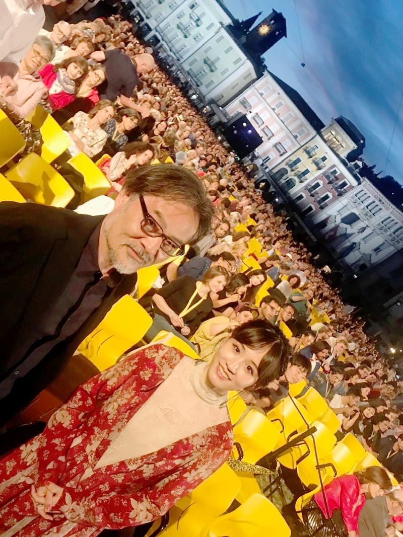 黒沢清&前田敦子「旅のおわり世界のはじまり」ロカルノ上映で8000人が喝采「感無量です」