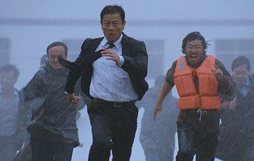 市長がウルトラ級に活躍する「超強台風」