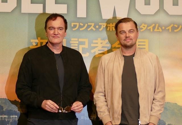 """タランティーノ、来日会見でレア邦画のDVDおねだり! レオは""""故郷""""ハリウッドへの思い語る"""