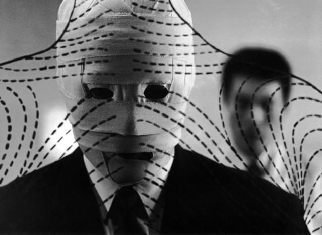 「他人の顔」(1966)の一場面