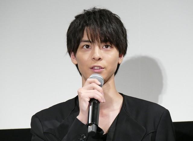 吉岡里帆、共演した高杉真宙を高校生だと勘違い「制服が似合い過ぎ」実際は23歳 - 画像6