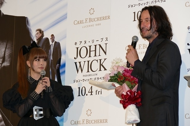 来日中のキアヌ・リーブス、忍者と一緒に「ジョン・ウィック」最新作のヒット祈願