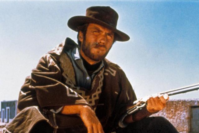 イーストウッド扮する主人公のガンマンが使用していたコルト社の拳銃がモチーフ
