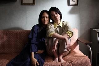 「Daughters」クランクアップ! 三吉彩花&阿部純子が構築した唯一無二の関係性とは