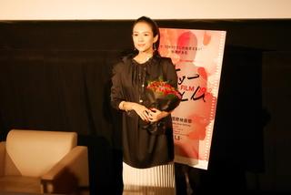 女優生活20周年のチャン・ツィイー、恩師チャン・イーモウ監督からの祝福に感無量
