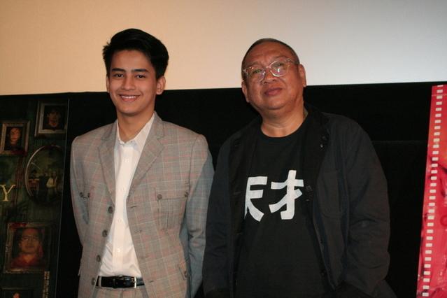 エリック・マッティ監督(右)と 俳優のケント・ゴンザレス