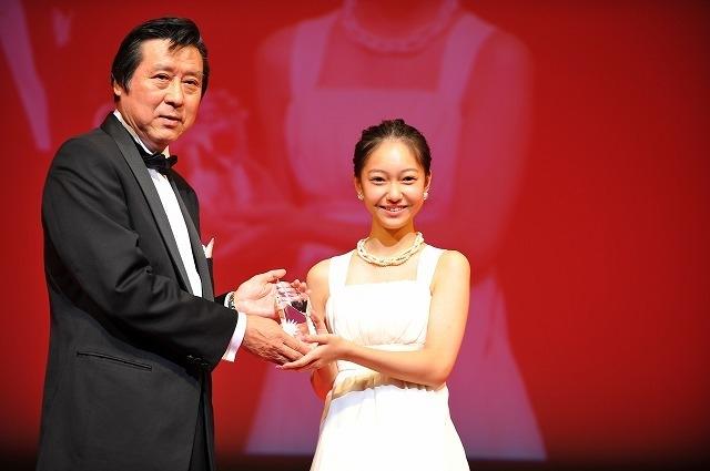 中3の吉名莉瑠、第32回東京国際映画祭ジェムストーン賞!伊藤沙莉&佐久間由衣も