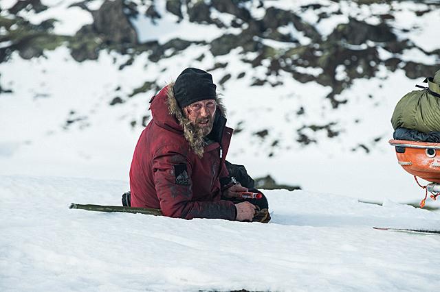 北極に不時着、マイナス30度、吹雪、飢え、絶望……マッツ・ミケルセンが体感した極限世界 - 画像3