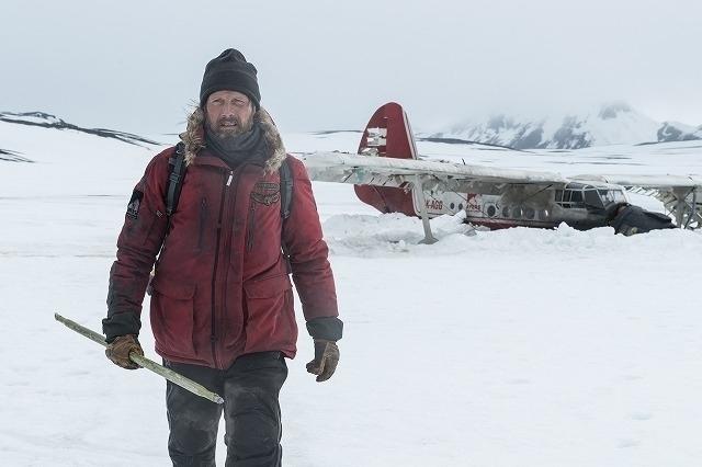 北極に不時着、マイナス30度、吹雪、飢え、絶望……マッツ・ミケルセンが体感した極限世界 - 画像2